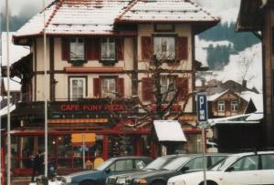 CafePonyPizzaZwiesimmen