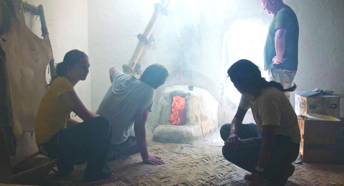 Experimental firing of an oven inside a reconstructed building-Jason Quinlan)